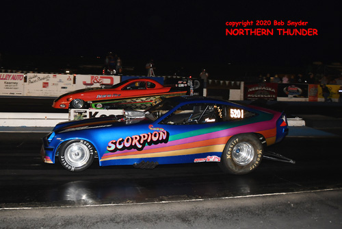 (near lane) Justin Herbst - 'Scorpion' vs (far lane) Nick Johnson - 'Prairie Fire'