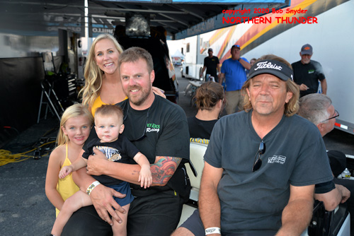 Shayne Lawson & family - 'Man O' War'