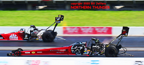 (near lane) Leah Pruett vs (far lane) Doug Kalitta