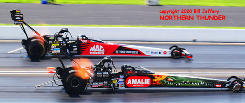 (near lane) Terry McMillen vs (far lane) Doug Kalitta