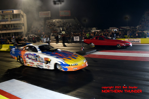 Nick Polloson -  'Bucket List' (near lane) vs Doug Schneider - 'Schneider Racing' (far lane)